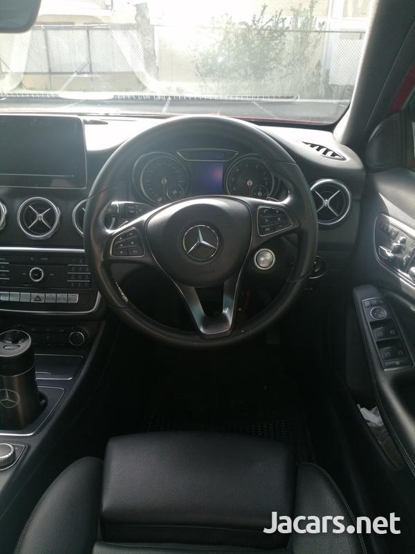 Mercedes-Benz GLA-Class 2,0L 2018-10
