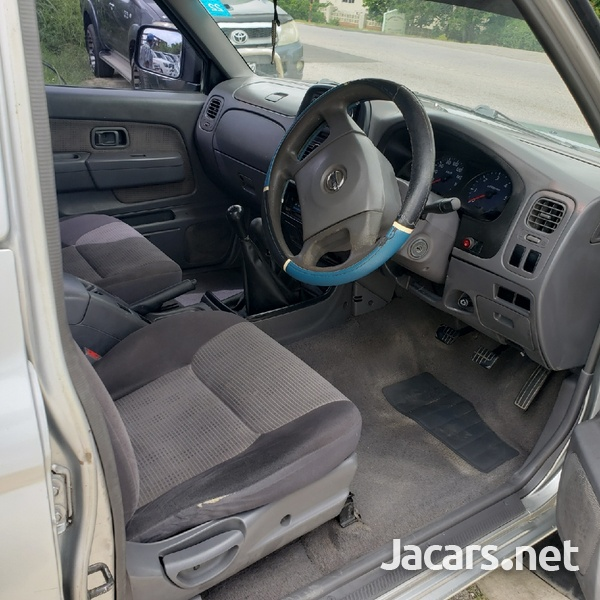 Nissan Frontier 2,0L 2003-5