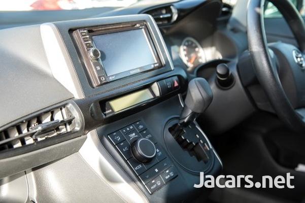 Toyota Wish 1,8L 2013-8