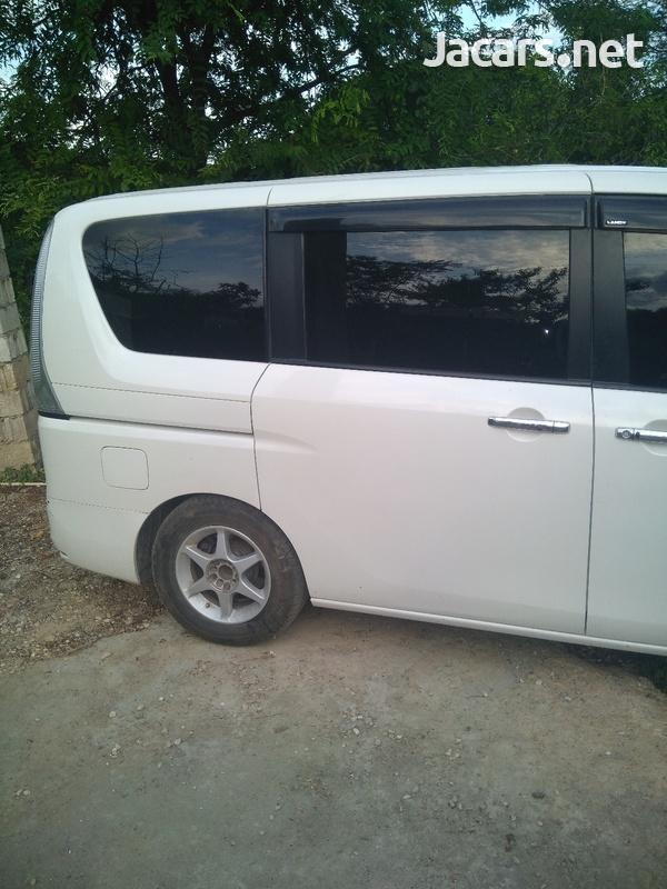 Suzuki Landy 2,0L 2013-4