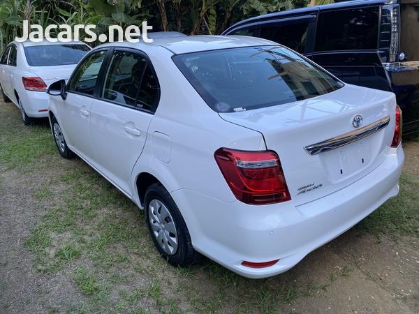Toyota Axio 1,3L 2018-9