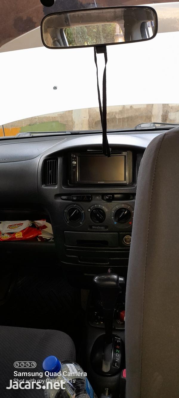 Toyota Probox 1,3L 2013-10