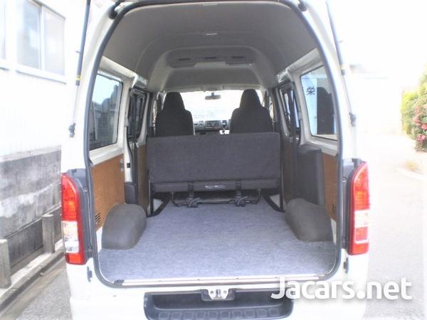Toyota Hiace Bus 3,0L 2015-3