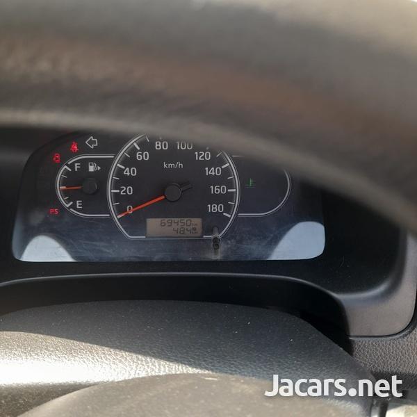 Mazda Familia 1,5L 2015-7