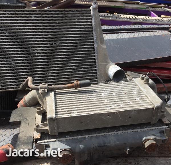 Mitsubishi Canter/ Isuzu NQR Radiator and Intercooler-4