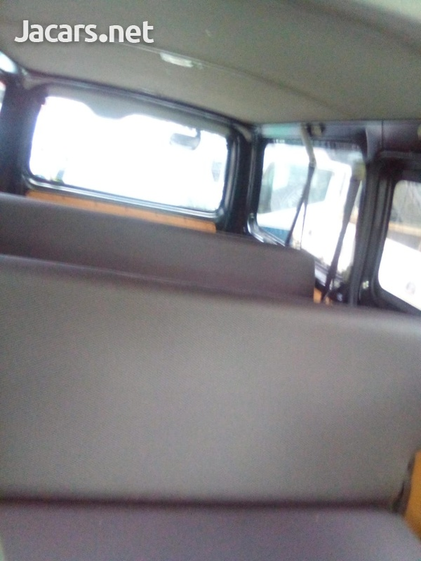 2015 Toyota Hiace Bus-6