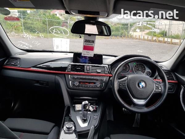 BMW 3-Series 3,0L 2012-5