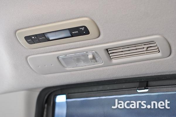 Nissan Serena 2,0L 2012-12