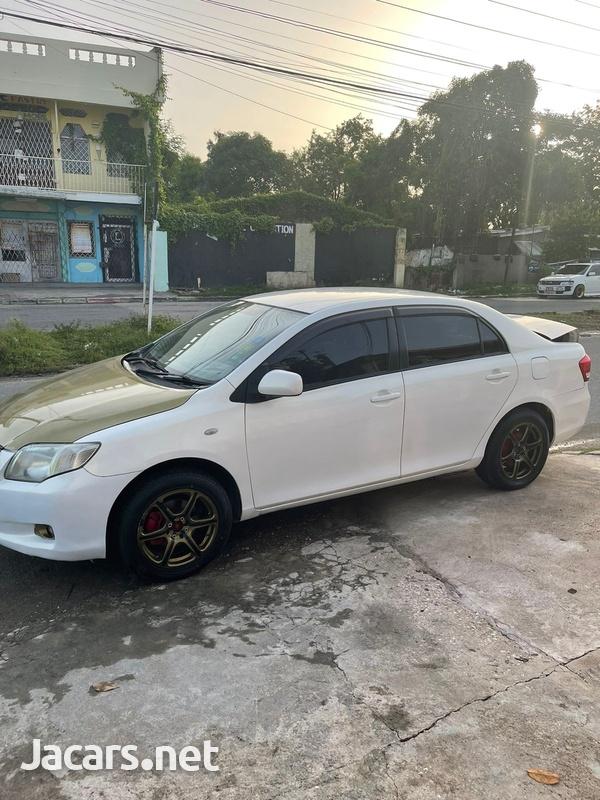 Toyota Axio 1,5L 2010-10