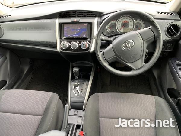 Toyota Fielder 1,5L 2014-7