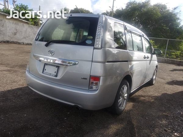 Toyota Isis 2,0L 2015-11