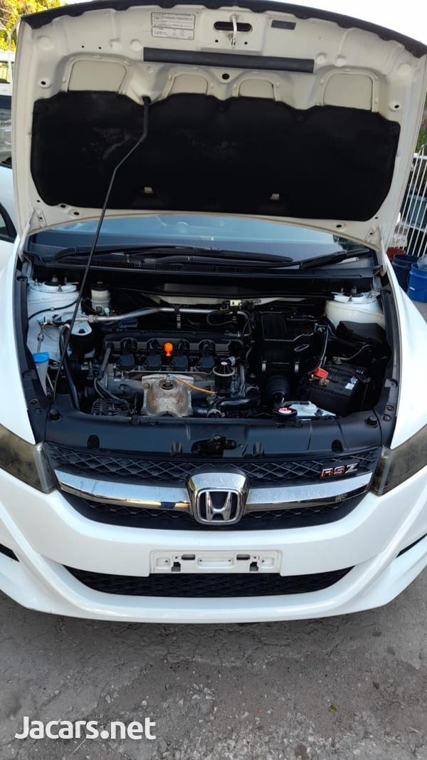 Honda Stream 1,8L 2013-7