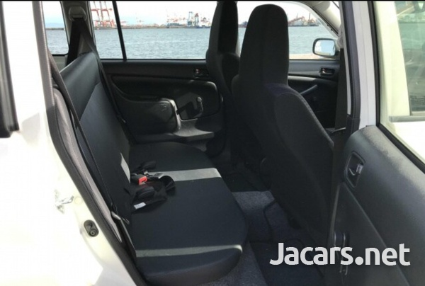 Toyota Probox 1,3L 2016-6