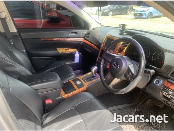 Subaru Legacy 0,5L 2010-5