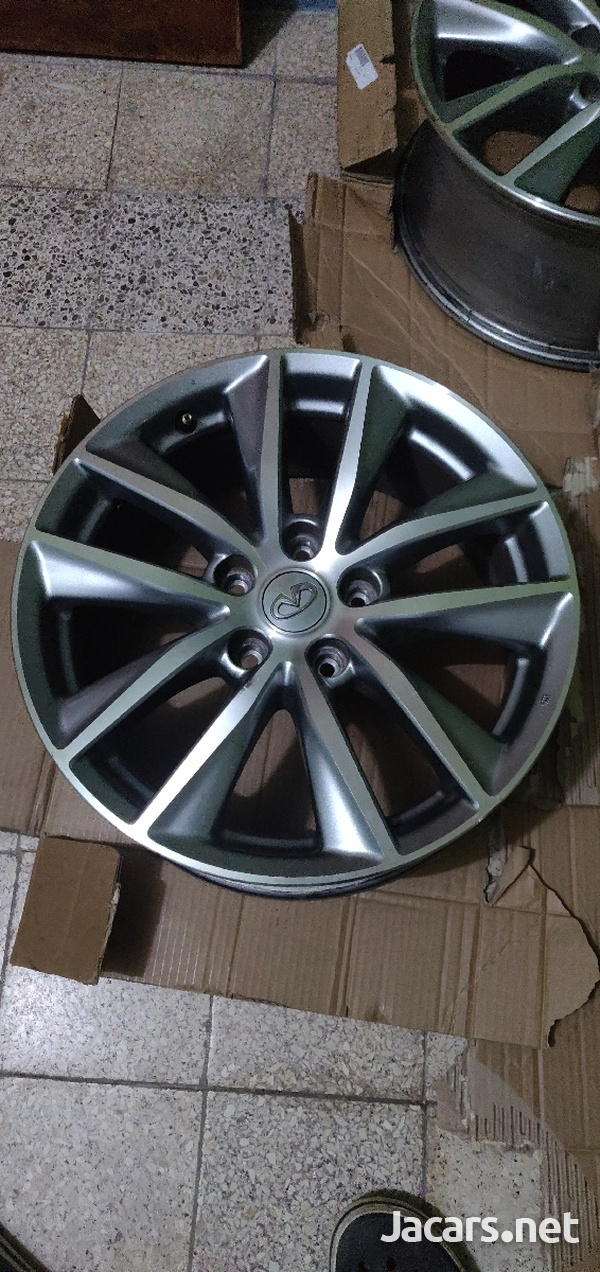17 inch 5x114 OEM Infiniti/Nissan Wheels/Rims-2