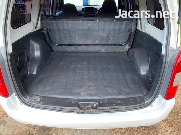 Toyota Probox 1,5L 2011-6