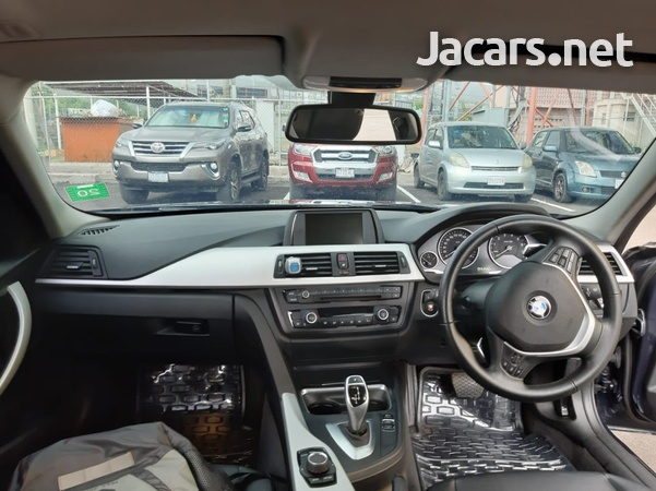 BMW 3-Series 1,9L 2013-11
