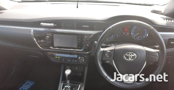 Toyota Corolla Altis 2,0L 2014-5