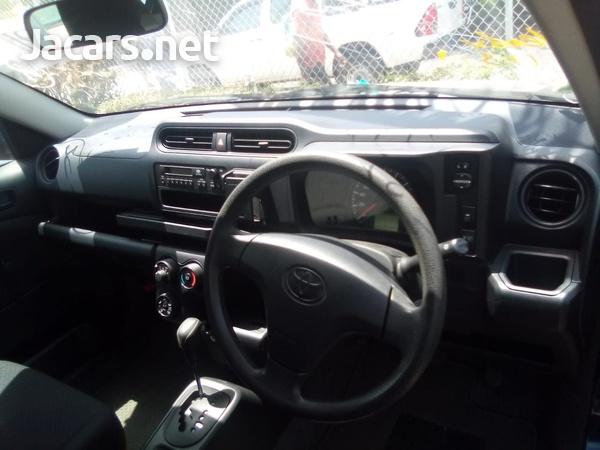 Toyota Probox 1,5L 2015-8