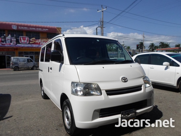 Toyota Town Ace 1,5L 2013-4