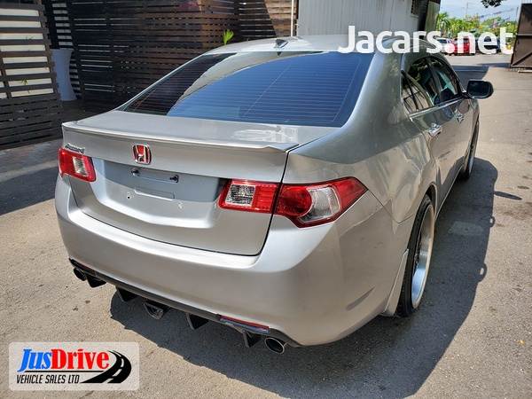Honda Accord 2,3L 2010-6