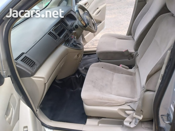 Toyota Isis 1,8L 2010-5