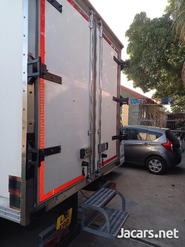2011 Refrigerator Mitsubishi Canter Box Body Truck-7