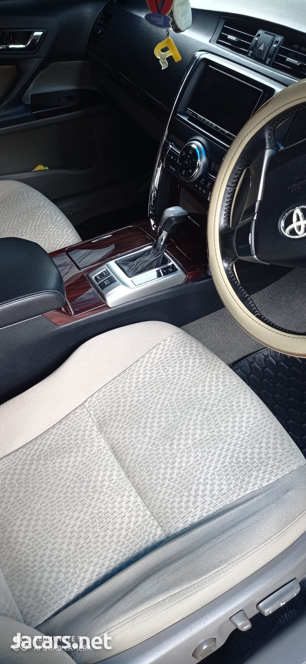 Toyota Mark X 2,0L 2012-7