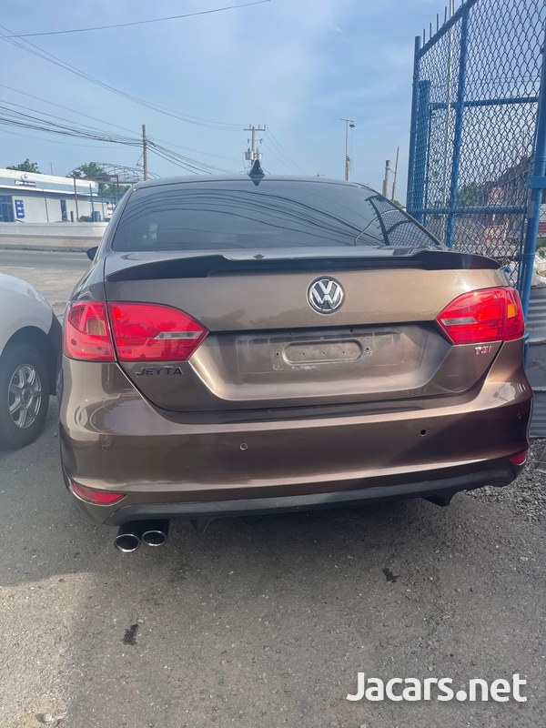 Volkswagen Jetta 1,8L 2014-4