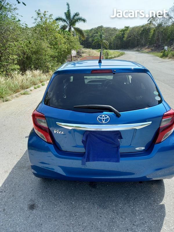Toyota Vitz 0,9L 2015-1
