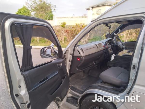 Toyota Hiace 3,0L 2012-7