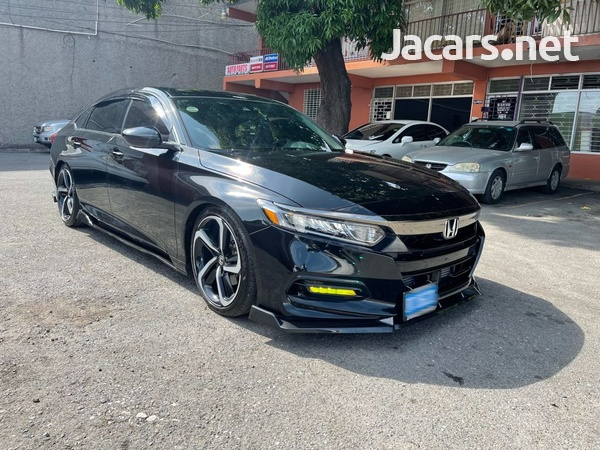 Honda Accord 1,8L 2020-10