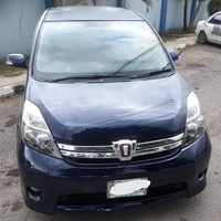 Toyota Isis 2,1L 2012
