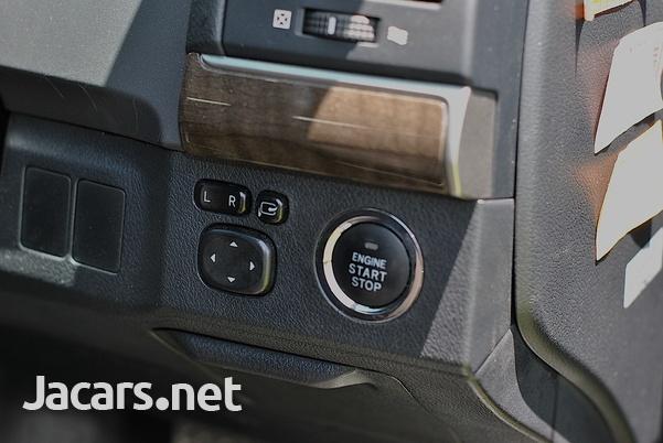 Toyota Mark X 2,5L 2016-14