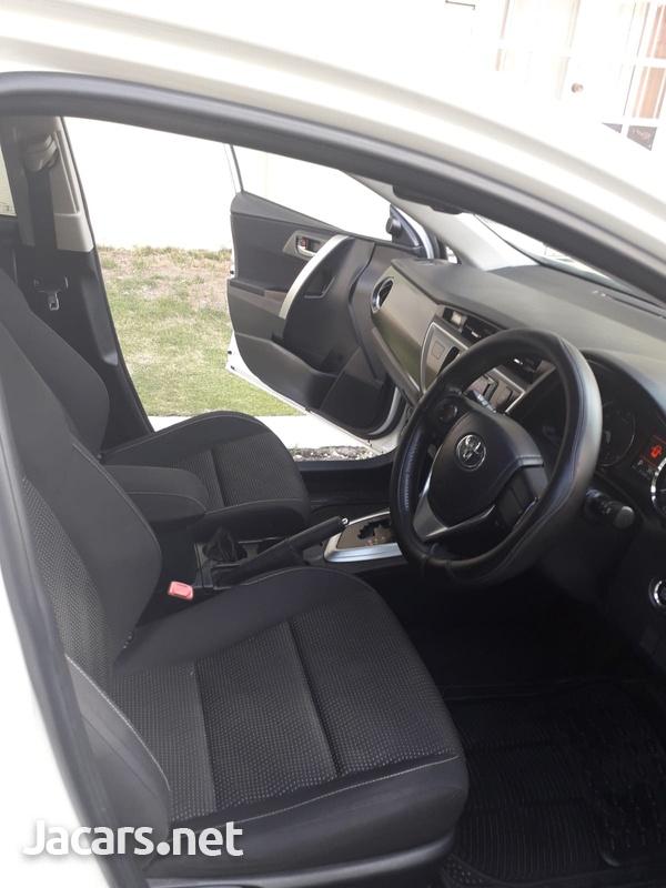 Toyota AURIS 1,8L 2013-7