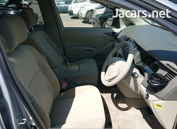 Toyota Isis 1,8L 2014-4