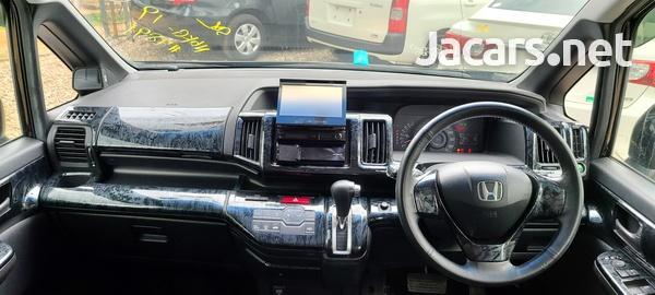 Honda Step wagon 1,8L 2011-7