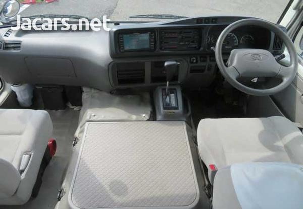 2011 Toyota Coaster Bus 4,0L-12