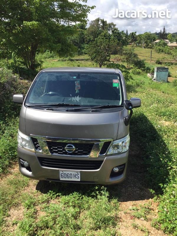 2012 Nissan Caravan-1