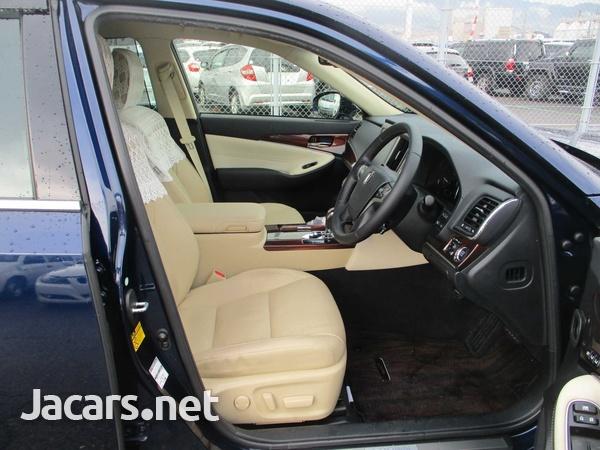 Toyota Crown 2,5L 2014-3