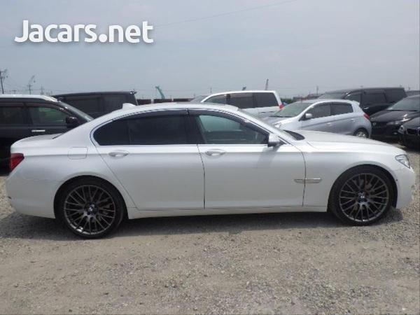 BMW 7-Series 0,4L 2014-8