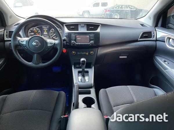 Nissan Sentra 2,0L 2016-4