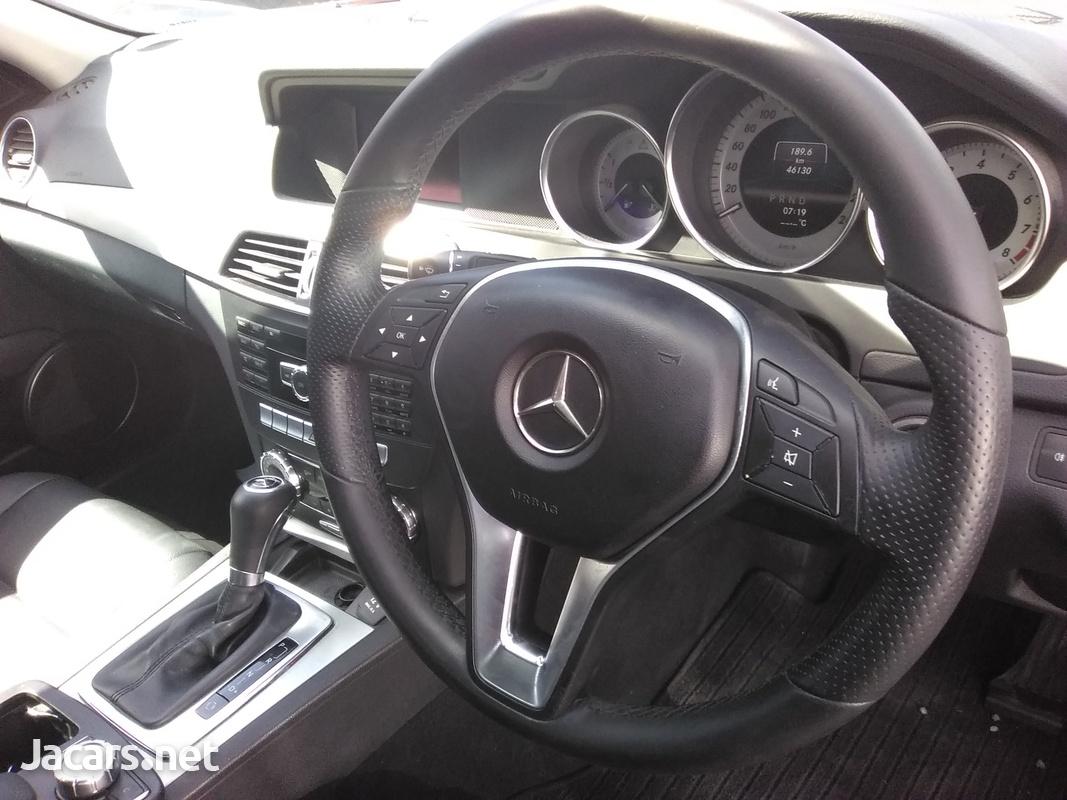 Mercedes-Benz C-Class 1,6L 2013-4