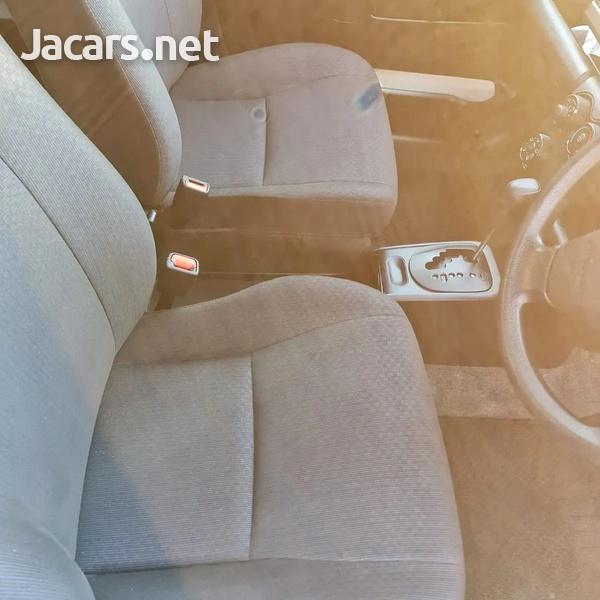 Toyota Probox 1,5L 2017-10