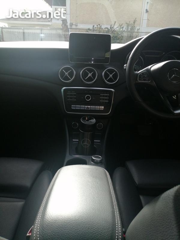 Mercedes-Benz GLA-Class 2,0L 2018-12