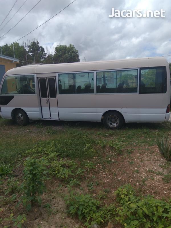 Toyota Coaster Bus2000-5