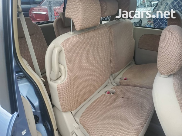 Toyota Sienta 1,6L 2012-3