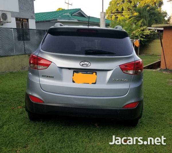 Hyundai Tucson 2,0L 2013-1