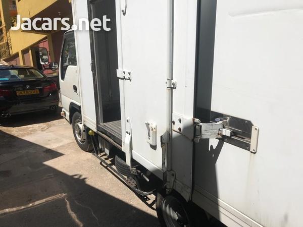 2012 Isuzuz Box Truck-7