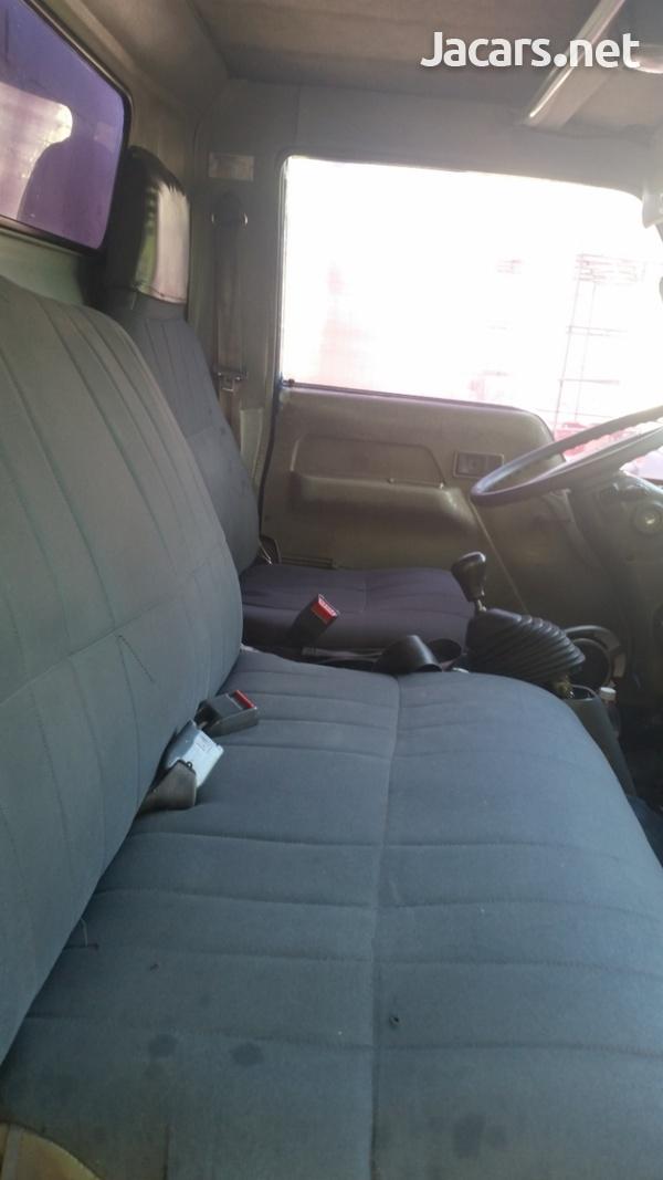 Isuzu Pick-up 2,0L 2000-2